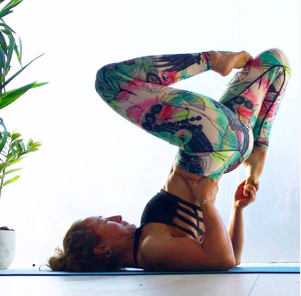 Meet Lizzie Higgins – Journey To Yoga And Advices For Yoga Beginners